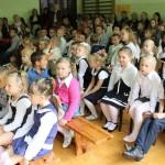 uczniowie szkoły w Charnowie