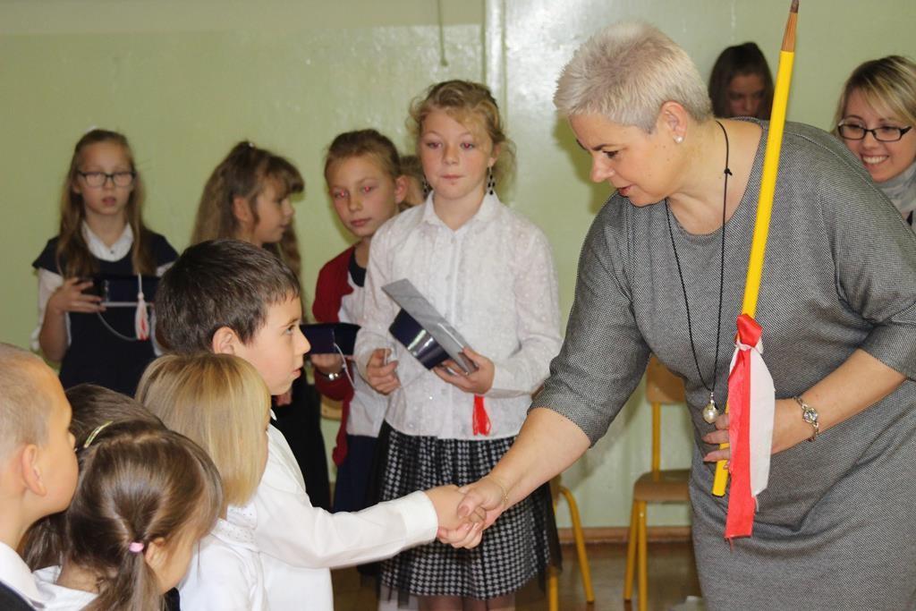 ślubowanie I klas 2015 Charnowo (12)
